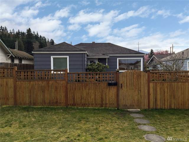1106 E 4th St, Port Angeles, WA 98362 (#1577484) :: Keller Williams Realty
