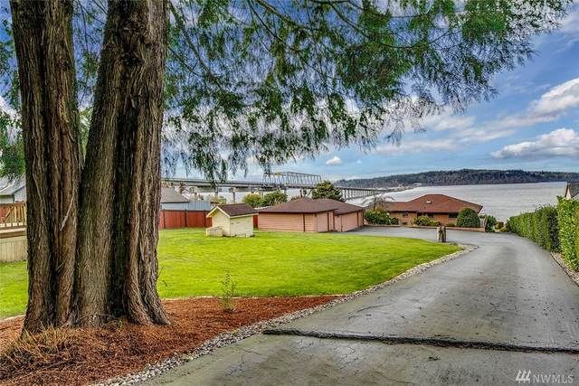 3020 Wheeler St NE, Poulsbo, WA 98370 (#1577747) :: Hauer Home Team