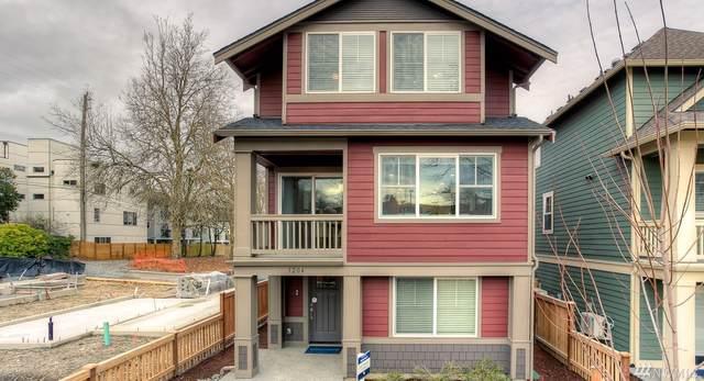 3204 SW Holly St St 25CC, Seattle, WA 98126 (#1578298) :: Keller Williams Realty