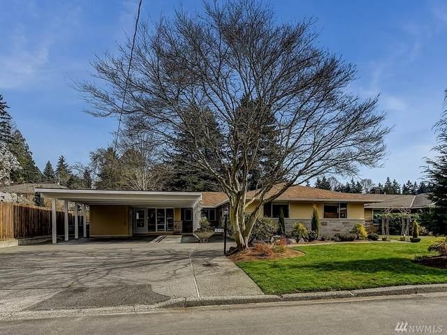 10416 42nd Ave NE, Seattle, WA 98125 (#1578633) :: TRI STAR Team | RE/MAX NW