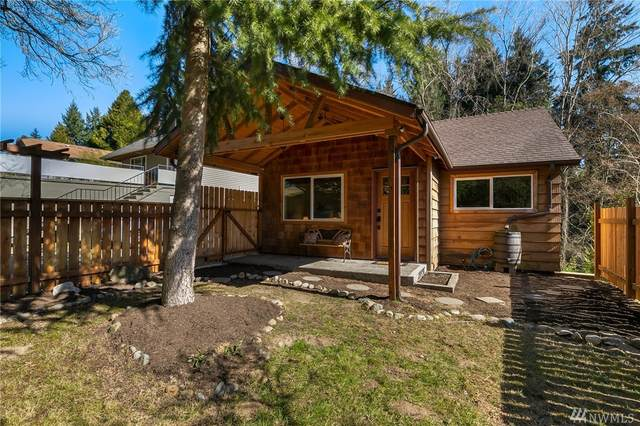 11734 35th Ave NE, Seattle, WA 98125 (#1579547) :: The Kendra Todd Group at Keller Williams