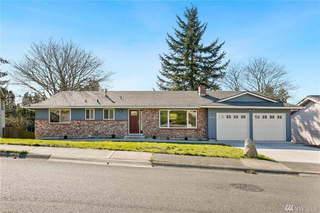 32527 23rd Ave SW, Federal Way, WA 98023 (#1579650) :: Keller Williams Realty