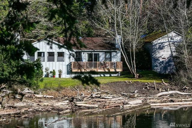 2097 Twin Lagoon Lane, Coupeville, WA 98239 (#1580595) :: The Kendra Todd Group at Keller Williams