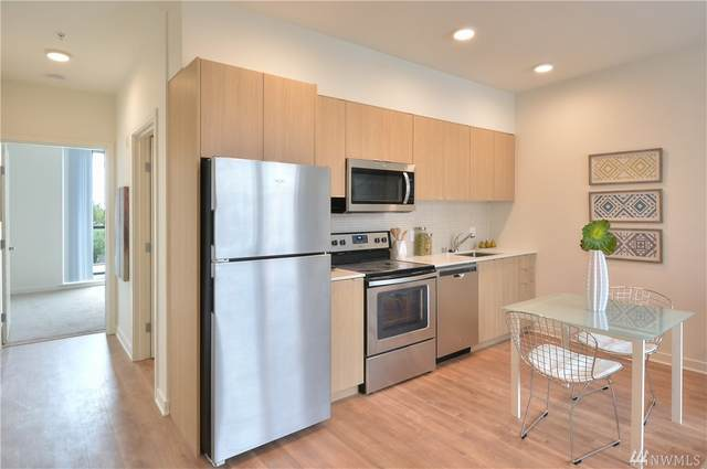 1601 N 45th St #309, Seattle, WA 98103 (#1581810) :: Ben Kinney Real Estate Team