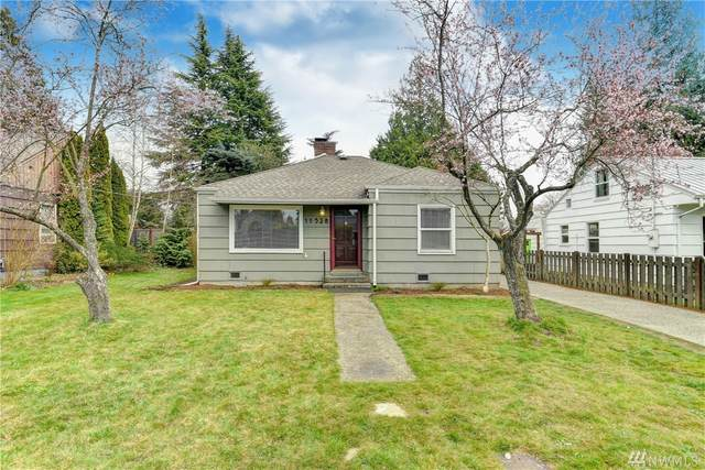 11528 Sand Point Wy NE, Seattle, WA 98125 (#1582512) :: The Kendra Todd Group at Keller Williams