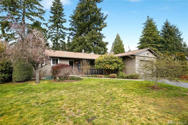8412 NE 139th St, Kirkland, WA 98034 (#1583544) :: Costello Team