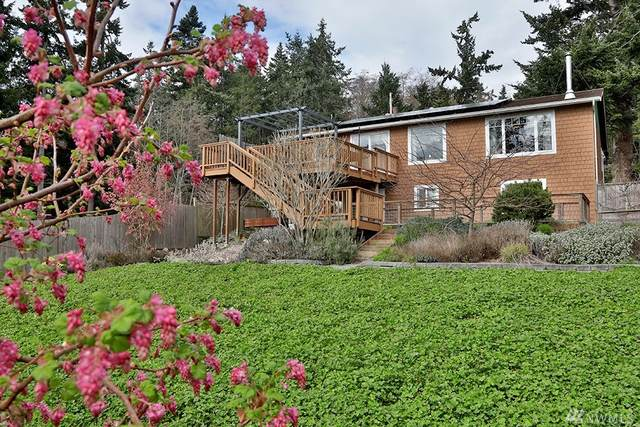 812 Casino Dr, Greenbank, WA 98253 (#1583591) :: The Kendra Todd Group at Keller Williams