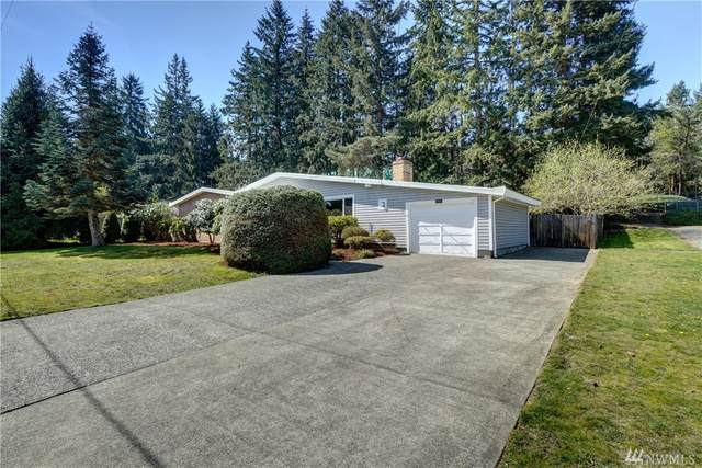 2403 153rd Ave SE, Bellevue, WA 98007 (#1583680) :: Ben Kinney Real Estate Team