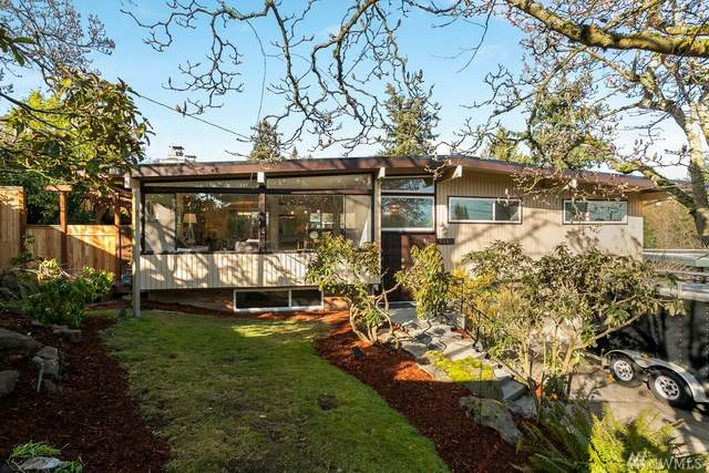 3460 SW 111th St, Seattle, WA 98146 (#1584281) :: The Kendra Todd Group at Keller Williams