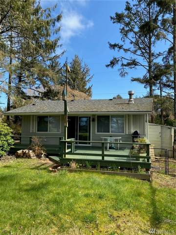 215 Dolphin Ave NE, Ocean Shores, WA 98569 (#1584445) :: Northern Key Team