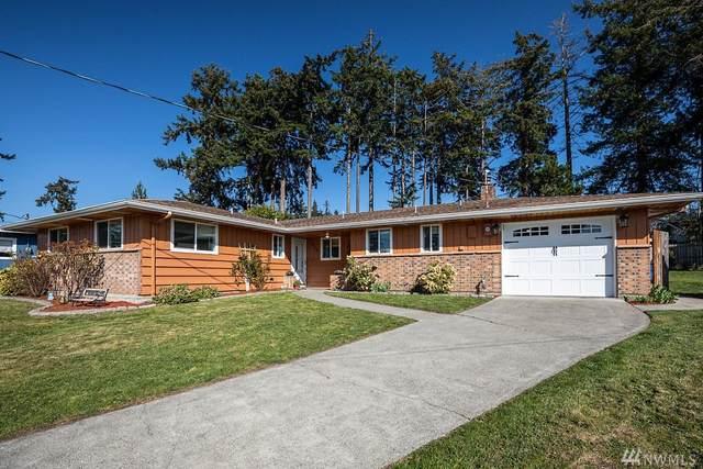 952 NE Netlam Lane, Oak Harbor, WA 98277 (#1584554) :: Ben Kinney Real Estate Team