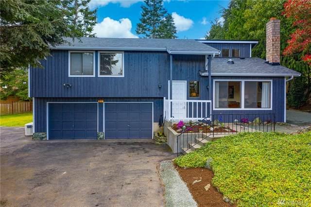 7572 Crescent Lane, Anacortes, WA 98221 (#1584765) :: Ben Kinney Real Estate Team
