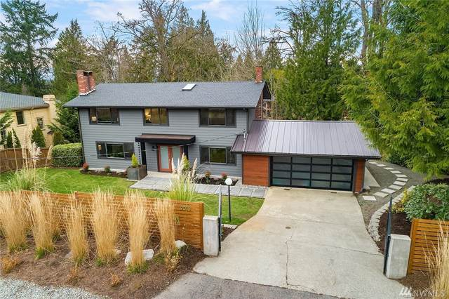 9016 NE 28th St, Clyde Hill, WA 98004 (#1585547) :: The Kendra Todd Group at Keller Williams