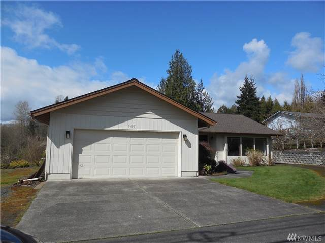 3627 Columbia Heights, Longview, WA 98632 (#1585589) :: Real Estate Solutions Group