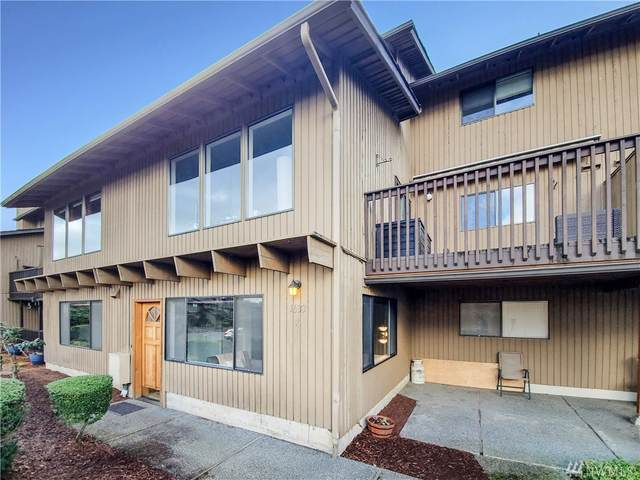 1633 Eagle Ridge Dr S A-7, Renton, WA 98055 (#1586156) :: The Kendra Todd Group at Keller Williams