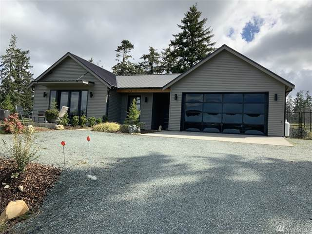5447 Harborside Lane, Freeland, WA 98249 (#1586583) :: Ben Kinney Real Estate Team