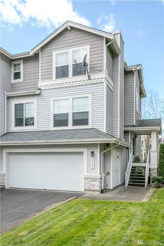 23207 61st Place S, Kent, WA 98032 (#1586605) :: Mary Van Real Estate