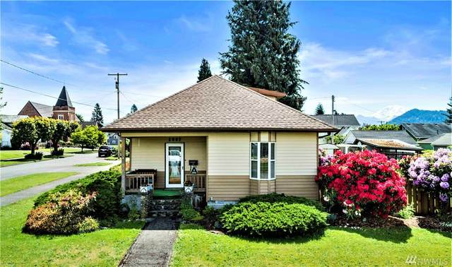1837 Fell St, Enumclaw, WA 98022 (#1593192) :: The Kendra Todd Group at Keller Williams