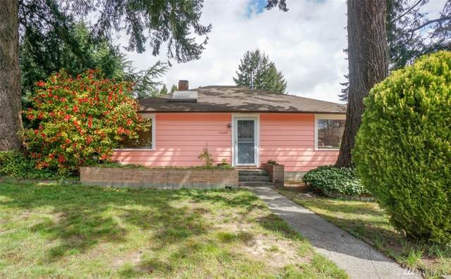 11055 17th Ave NE, Seattle, WA 98125 (#1594810) :: Northern Key Team