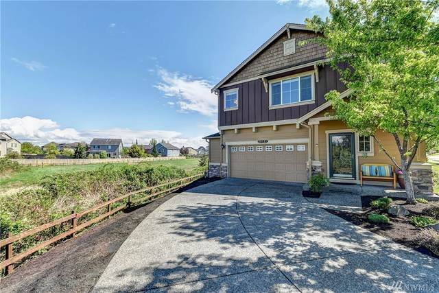 28521 71st Dr NW, Stanwood, WA 98292 (#1597384) :: Real Estate Solutions Group