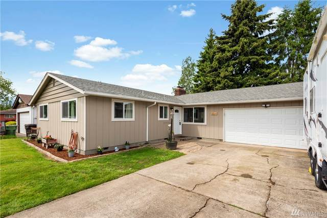 3226 Maple St, Longview, WA 98632 (#1600285) :: Ben Kinney Real Estate Team