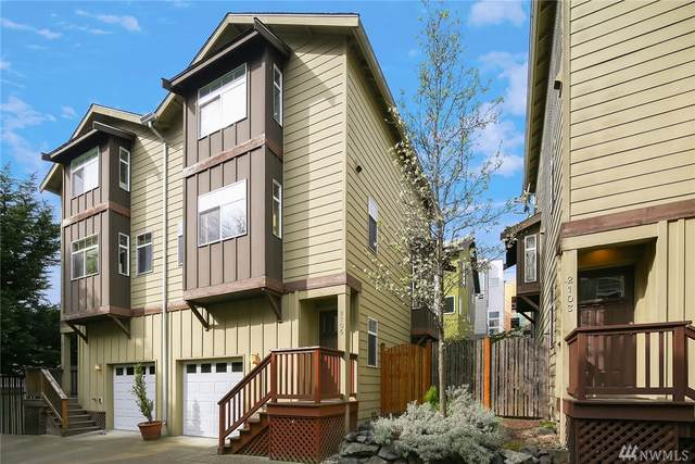 2105 S Washington St, Seattle, WA 98144 (#1600987) :: Real Estate Solutions Group