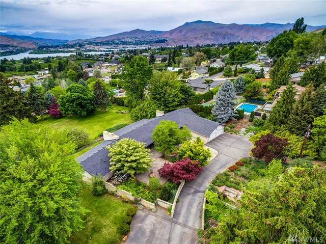 141 26th St NE, East Wenatchee, WA 98802 (#1601722) :: Northern Key Team