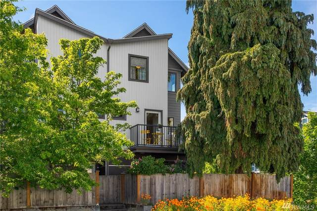 3479 21st Ave W, Seattle, WA 98199 (#1601842) :: The Kendra Todd Group at Keller Williams