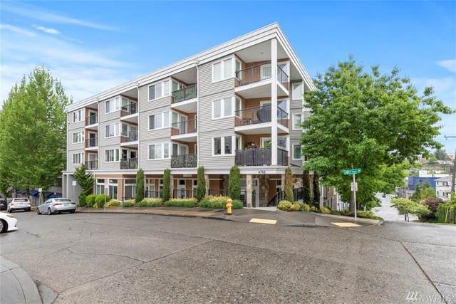 4752 41st Ave SW #204, Seattle, WA 98116 (#1602633) :: Hauer Home Team