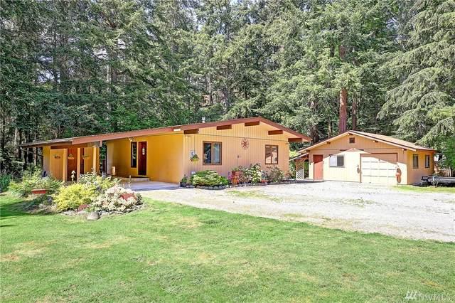 1960 Hummingbird Lane, Camano Island, WA 98282 (#1602801) :: Pickett Street Properties