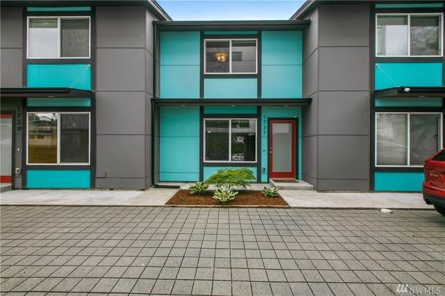 1737 26th Ave S, Seattle, WA 98144 (#1602891) :: Real Estate Solutions Group