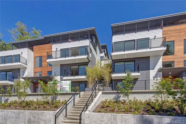 2202 12th Ave W, Seattle, WA 98119 (#1602982) :: Ben Kinney Real Estate Team