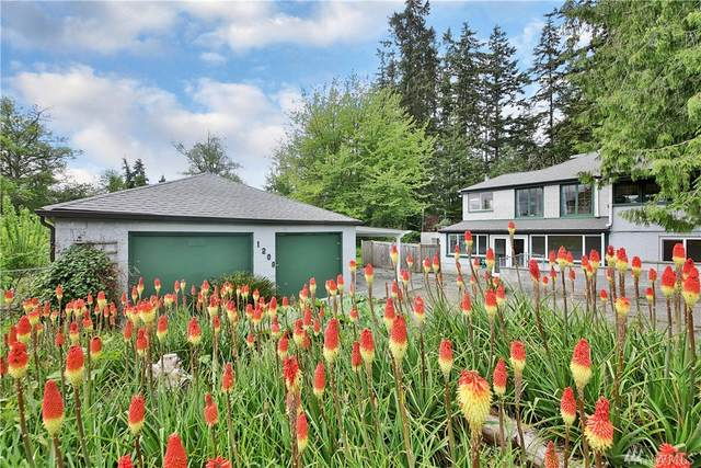 1208 Bush Pt Rd, Freeland, WA 98249 (#1603189) :: Pickett Street Properties