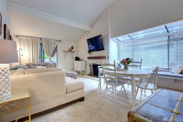 10019 NE 122nd St L-D, Kirkland, WA 98034 (#1604629) :: Real Estate Solutions Group