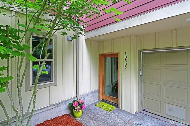 10532 24th Ave NE, Seattle, WA 98125 (#1604691) :: Costello Team