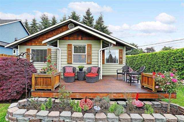 14650 16th Ave SW, Burien, WA 98166 (#1604757) :: The Kendra Todd Group at Keller Williams