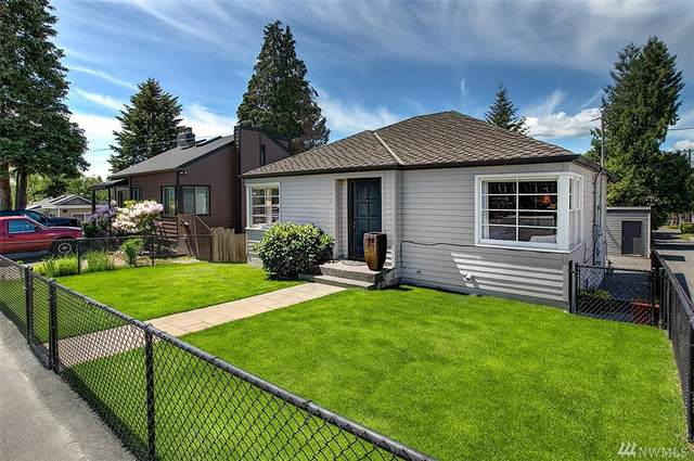 15215 9th Ave SW, Burien, WA 98166 (#1604901) :: The Kendra Todd Group at Keller Williams
