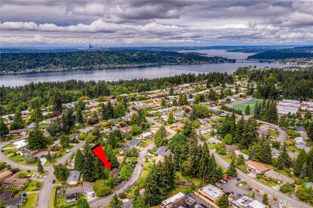 5645 118th Ave SE, Bellevue, WA 98006 (#1605432) :: Priority One Realty Inc.