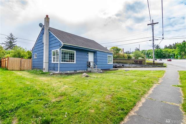 909 S Race St, Port Angeles, WA 98362 (#1605508) :: The Kendra Todd Group at Keller Williams