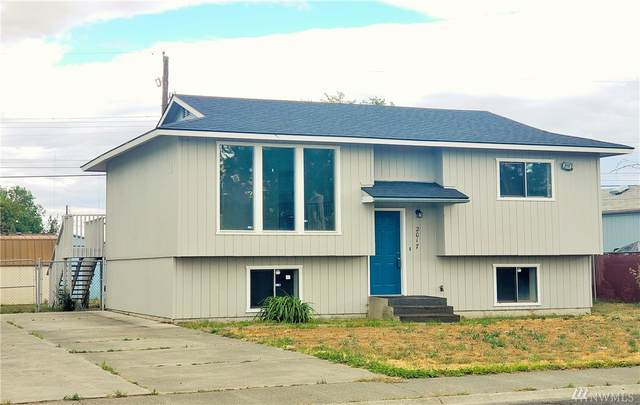 2017 W Basin St, Moses Lake, WA 98837 (MLS #1605565) :: Nick McLean Real Estate Group