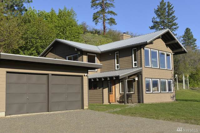 5 Bear Orchard Rd, Winthrop, WA 98862 (#1605570) :: Ben Kinney Real Estate Team