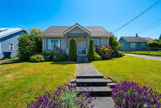 811 37th St, Anacortes, WA 98221 (#1606972) :: Northern Key Team