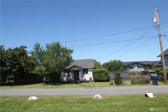 1102 28th Street, Anacortes, WA 98221 (#1607052) :: Northwest Home Team Realty, LLC