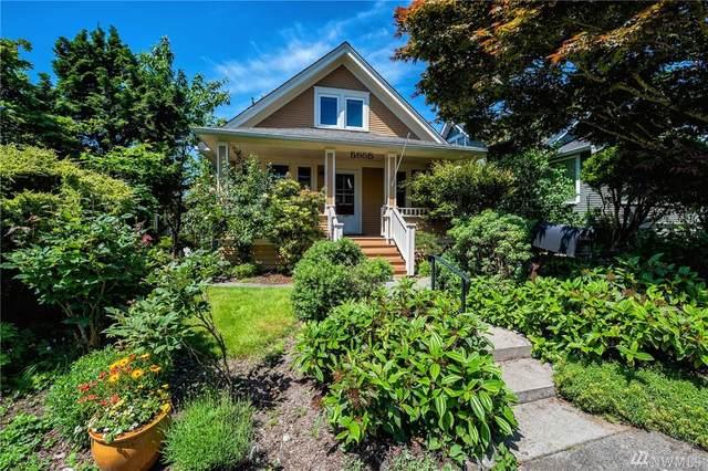 5555 33rd Ave NE, Seattle, WA 98105 (#1607590) :: Canterwood Real Estate Team