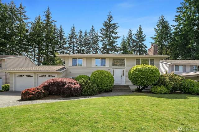 203 145th Ave NE, Bellevue, WA 98007 (#1607614) :: Ben Kinney Real Estate Team