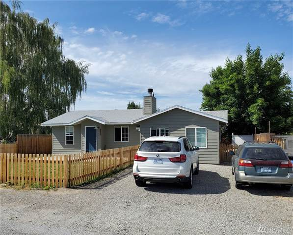 1128 7th St, Wenatchee, WA 98801 (#1608967) :: The Kendra Todd Group at Keller Williams
