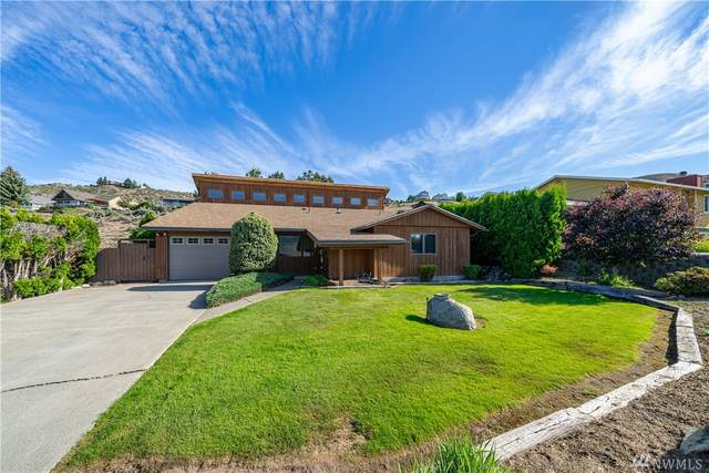 107 Pyramid Place, Chelan, WA 98816 (#1609143) :: The Kendra Todd Group at Keller Williams
