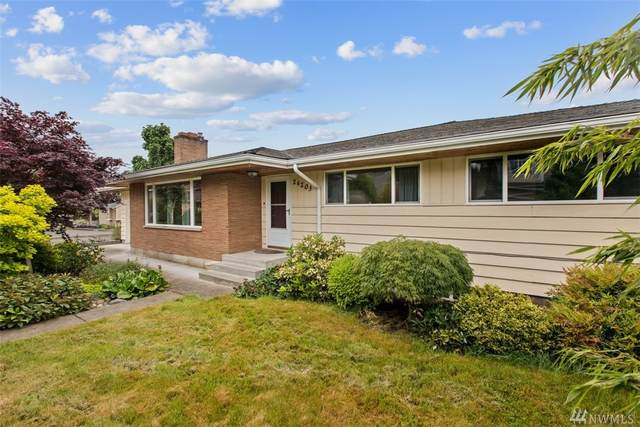 24203 97th Place S, Kent, WA 98030 (#1609230) :: Costello Team