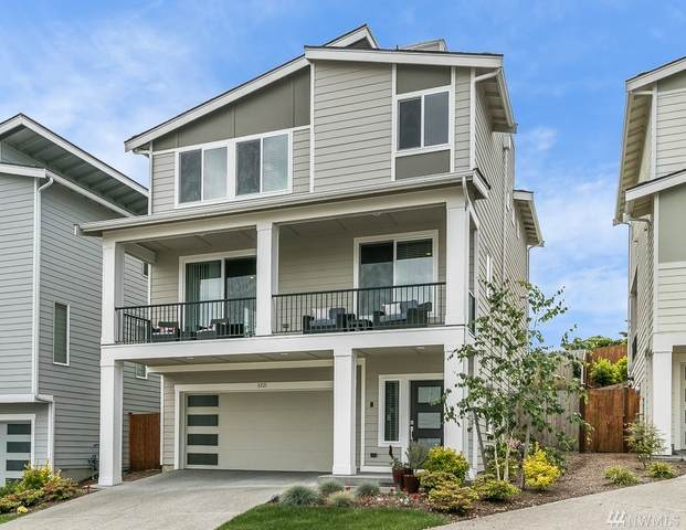 8221 S 118th Ct, Seattle, WA 98178 (#1609353) :: Real Estate Solutions Group