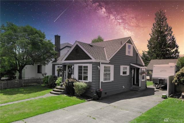 1114 Lafromboise St, Enumclaw, WA 98022 (#1609610) :: NW Home Experts